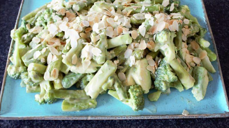 Brokkolisalat-Rezept_Baeckerei-Tebart